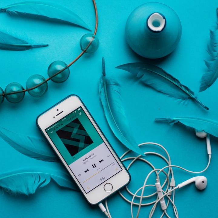 音楽のサブスク比較!定額で聴き放題の配信サービスはどれを使う?&ギタリストの爪ケア事情