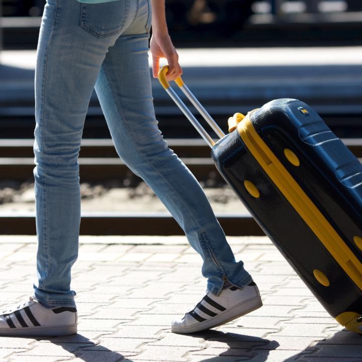 旅行でネイルが剥がれるのは嫌!事前対策や旅先でもできる応急処置を知っておこう!