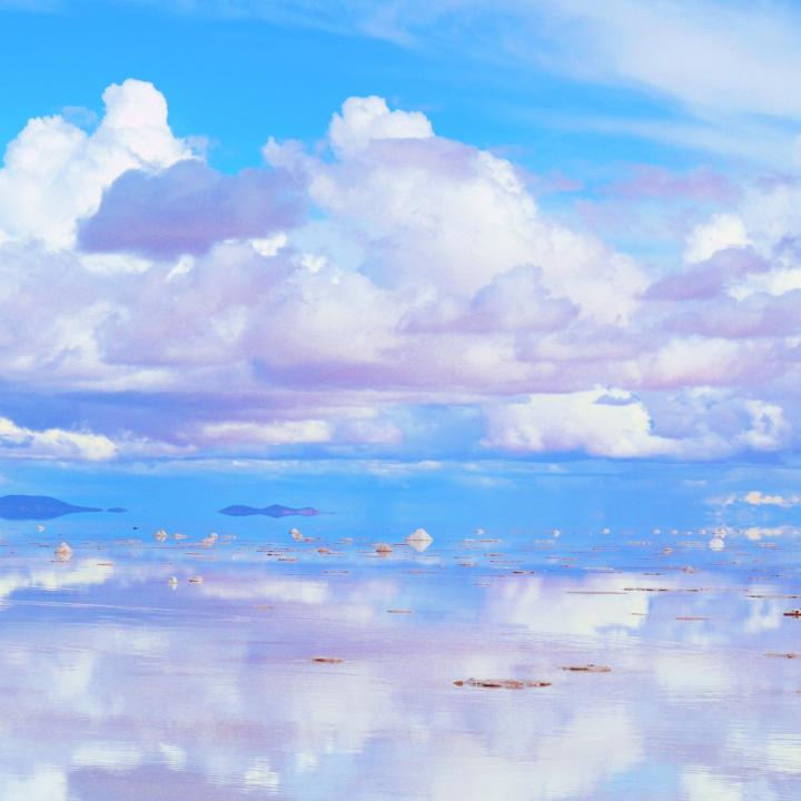 恋をさぼっている時に。川村元気「四月になれば彼女は」&透き通る夏の水色ネイル