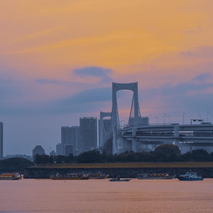 夕日が綺麗な海は関東にもある!おすすめスポットと夕日みたいなシンプルオレンジネイル