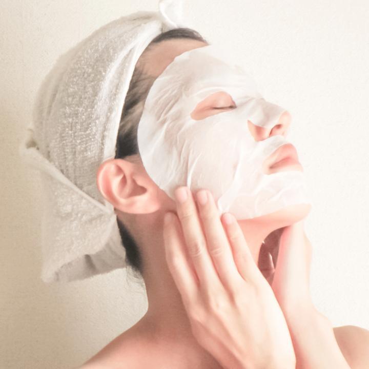 フェイスマスクを毎日はダメ?種類によって使い分け&爪と指もマスクで保湿してみよう