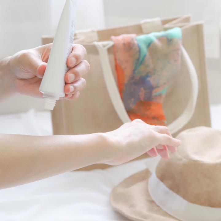 手の甲の日焼けを対策!くすみのない手肌に&美容効果が期待できる体の内側からの日焼け止め
