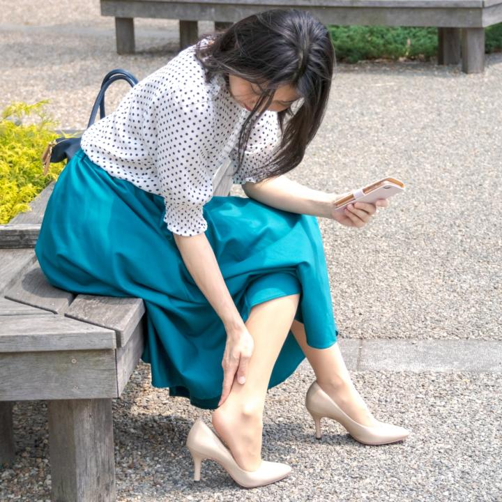 靴擦れが痛い!かかとにできた時の対処法は?フットネイルが似合うキレイな足でいたい!