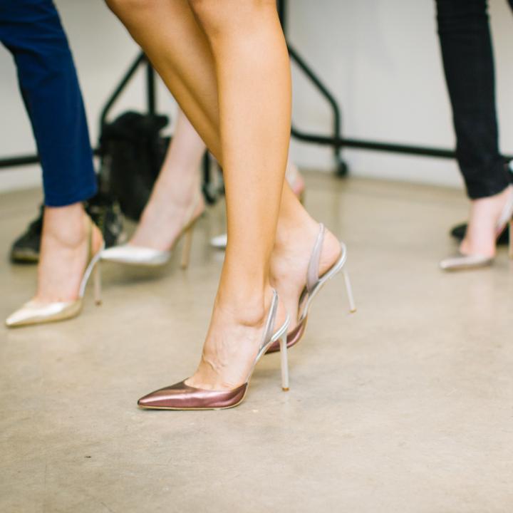 足の臭いを消す簡単な方法や意外な原因&ニオイの強いアクリルネイルに注意