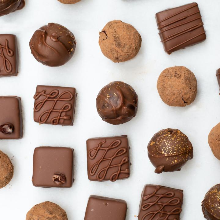 チョコネイルのやり方を教えます!チョコレートは美容効果もある万能お菓子