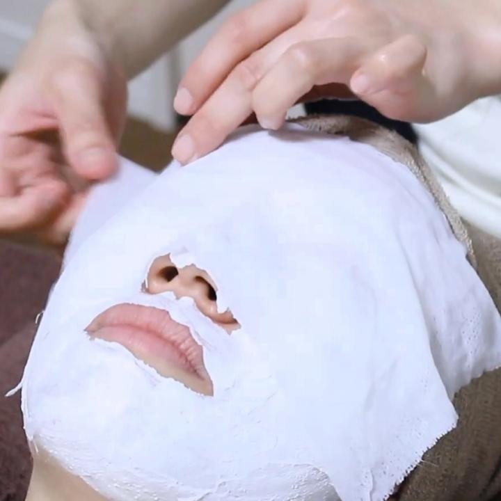 ハンドパックの効果は手荒れにも◎お顔も手元もパック・フェイスマスクでシワ・たるみをスッキリ解消