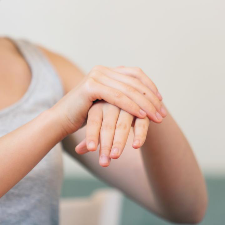 爪がしわしわな原因が知りたい!お肌のしわ対策に保湿成分の見直し!