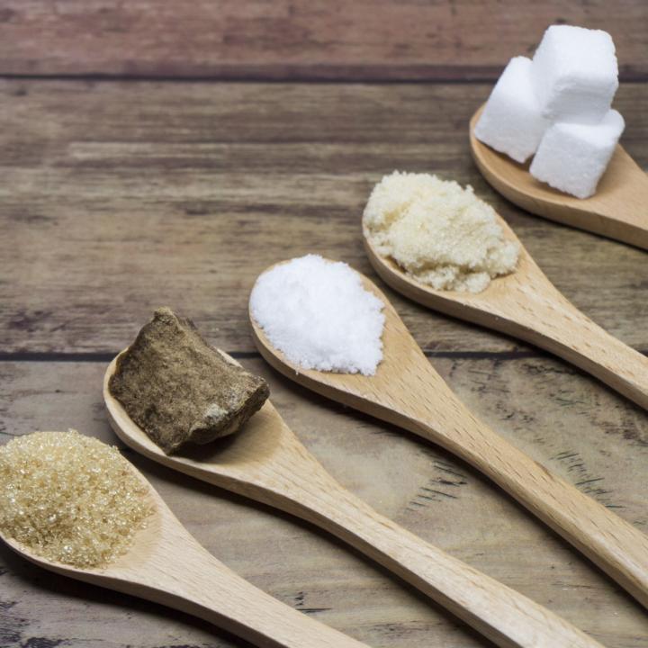 ネイルのライトはシミの原因になるの?&砂糖をやめればシミができなくなる?