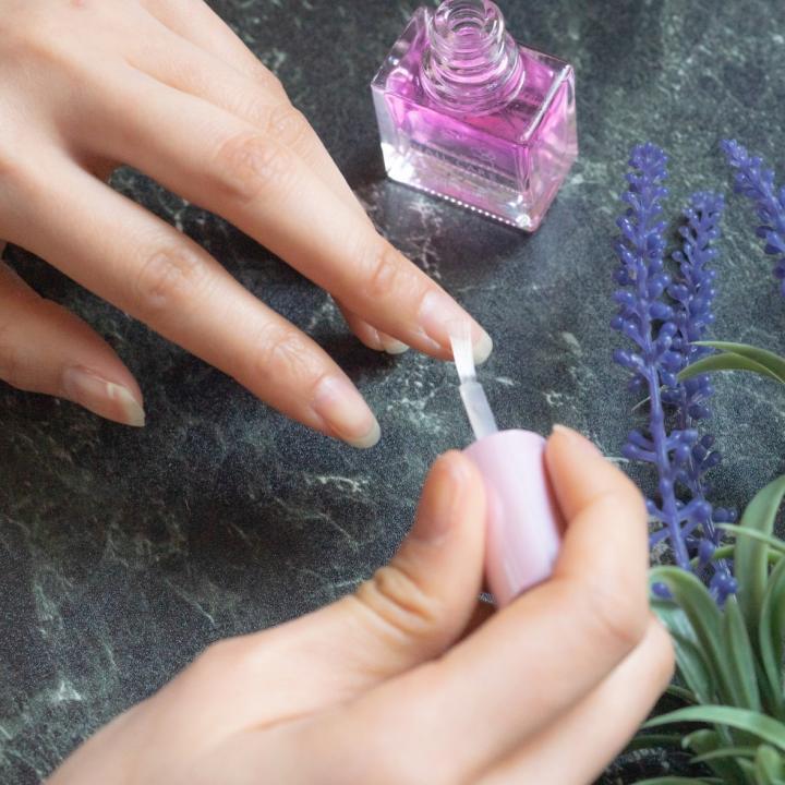 爪が割れる時のケア方法を紹介&老け見えケアには亜鉛やミネラルを摂ろう