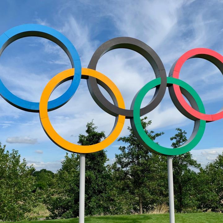 ネイルをオリンピックカラーに♪色の意味やパワーで選手を応援しよう