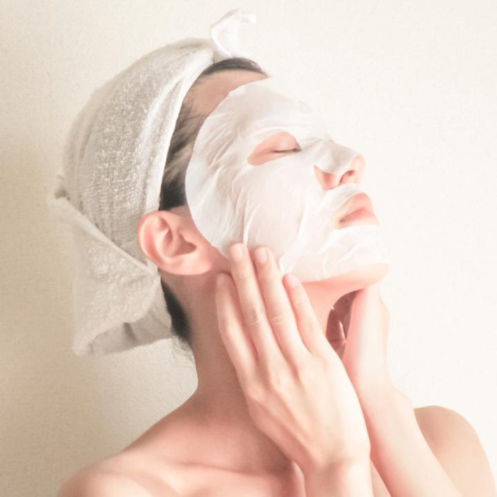 ハンドケアを自宅で簡単サロン級の仕上がりに!敏感肌に優しいフェイスマスクとは?