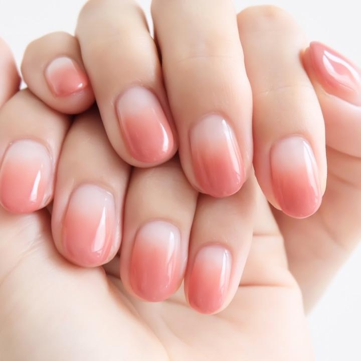 赤みのある手にネイルを合わせるなら?&ヒリヒリする敏感肌への対策