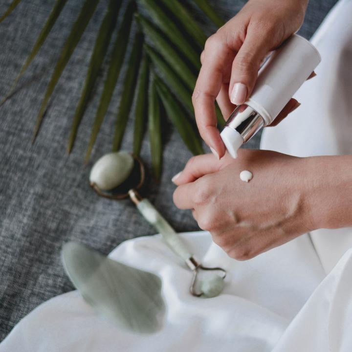 ジェルネイルのベタベタの取り方&お肌がベタつく脂性肌のスキンケア方法
