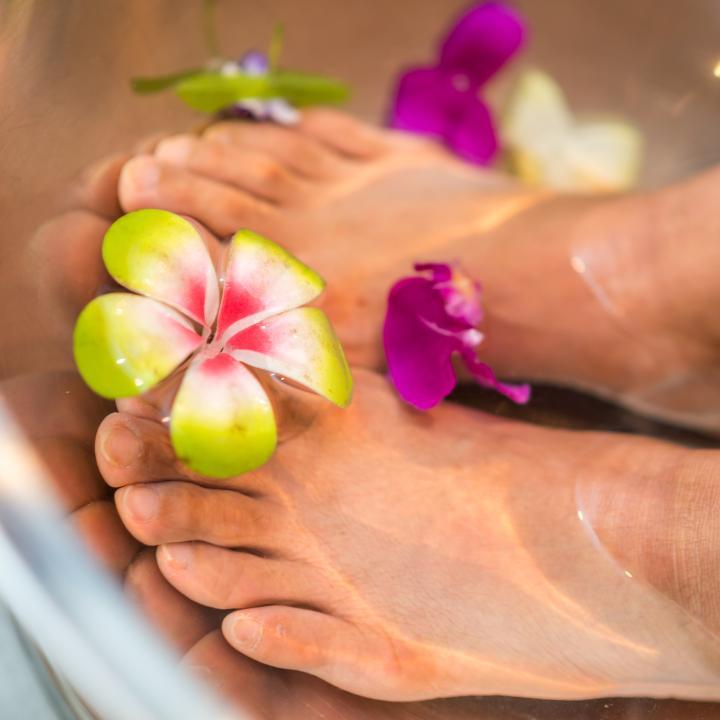 フットバスにも入浴剤がおすすめ!正しい入浴剤選びでしっとり潤い肌になろう!